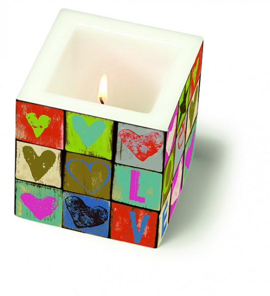 Kerze eckig klein Love and Peace 8x8x8cm